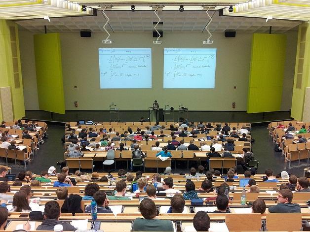 Пансионно училище Danube International School в Австрия