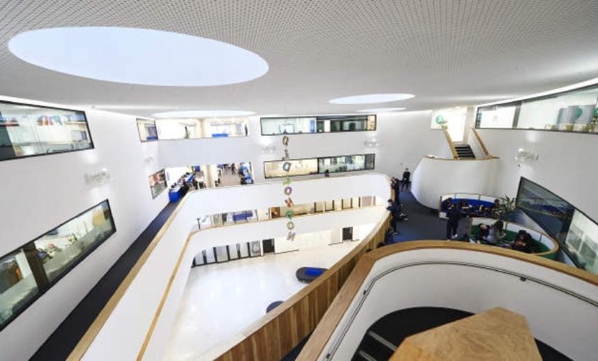 DLD College London – пансионни училища във Великобритания