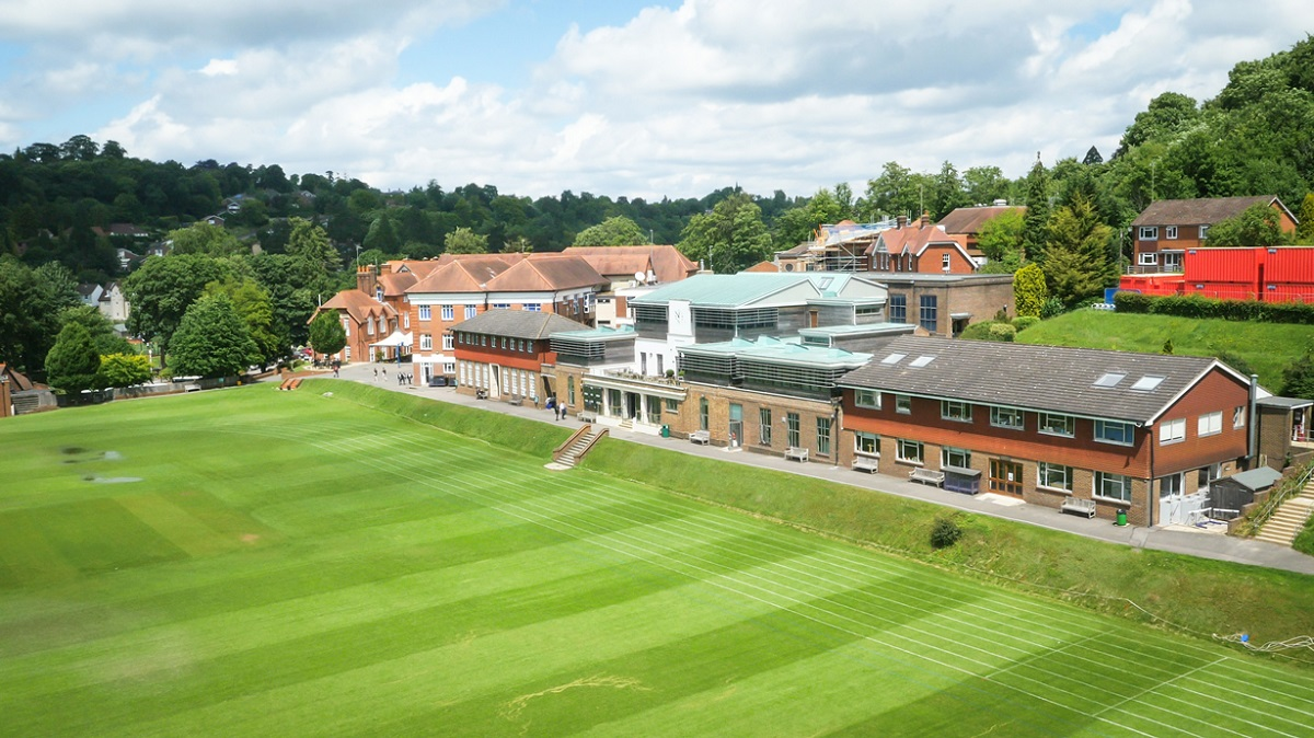 https://www.boardingschools.bg/uploads/images/schools/Caterham_sportsfacilities-9.jpg